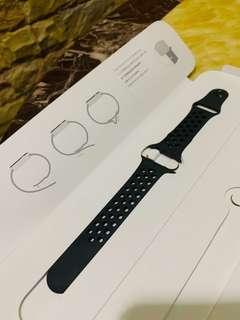 NIKE Apple Watch BAND 38mm (brand new)