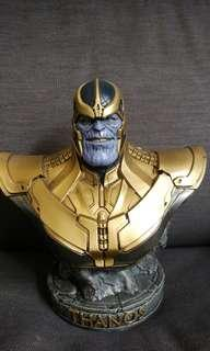 Patung Thanos on sale