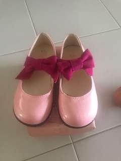 🚚 Girl shoes