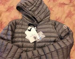 Moncler 全新真品銀灰色羽絨外套