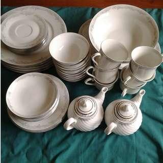 43-piece Crockery Set