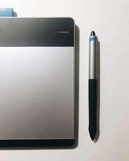 Wacom Intuos Pen & Touch Tablet Small 電子畫板