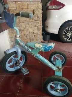 Sepeda sinchan