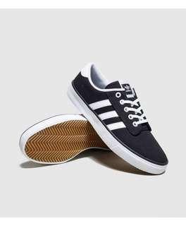 🚚 Adidas Kiel