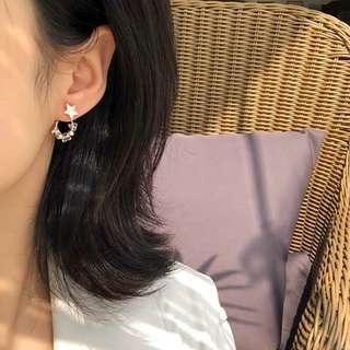 🚚 《早衣服》4月花滿園🌼甜美水晶幾何圓圈氣質簡約五角星後掛式耳針夾式耳環無耳洞耳夾(預)