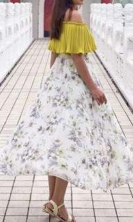 🚚 Top and Floral Maxi Skirt