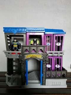 Imaginext Gotham City Jail + 2 figure