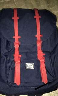🚚 Herschel Little America Backpack