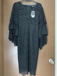 Dazling Black Lace w Bell Sleeves Dress