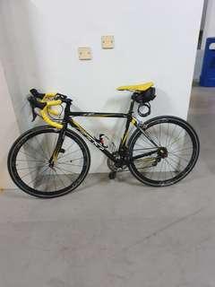 Felt F75 Road Bike