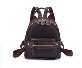 🚚 Mini Backpack
