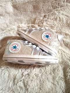 Preloved Sepatu bayi converse all star