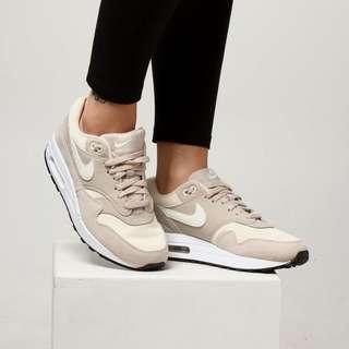 NEW Nike Air Max 1