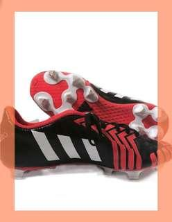 🚚 Adidas Soccer/rugby predito Boots