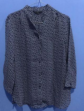 Executive baju atasan warna dark blue motif polkadot, size M
