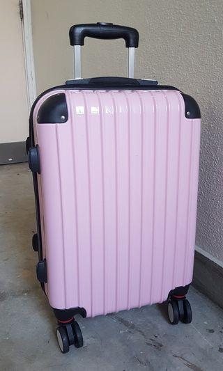 新颖旅行箱