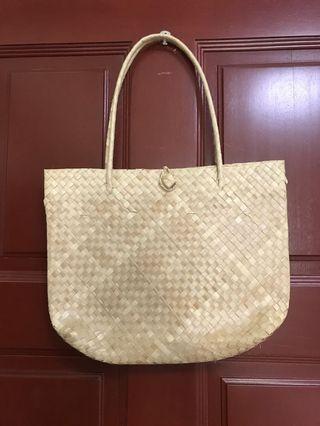 🚚 Woven Straw Bag