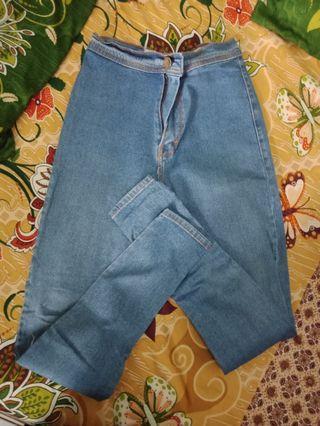 Jeans Biru muda Hw