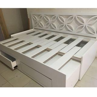 RUSH SALE FLOWER DAY BED