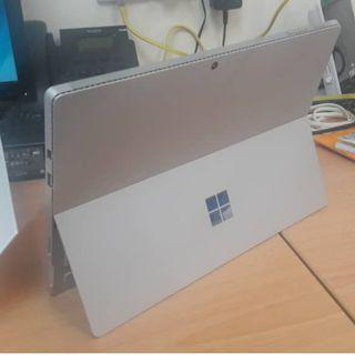 Surface Pro 4 (i5/4GB/128GB) with Pen and Typecover