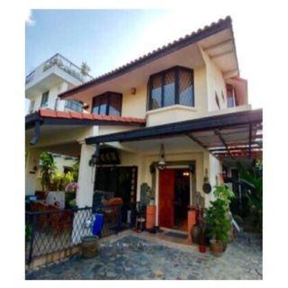 5 B/rm For Rent @ D14 Jalan Senyum (250m away from Kembangan MRT) 3-Storey Bungalow Hse Don't Miss