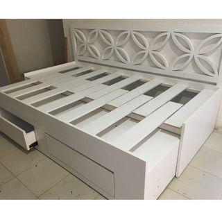 RUSH SALE DAY BED