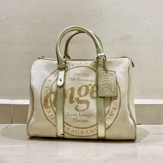 🚚 Victoria's Secret Handbag