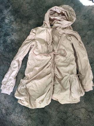 Fate 10 cream and gold jacket with hood
