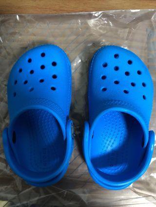 Kids Crocs size 6