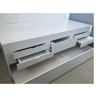 White duco day bed RUSH SALE