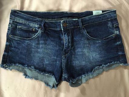 Preloved H&M denim shorts