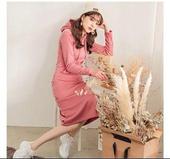 粉色素面刷毛連帽長裙