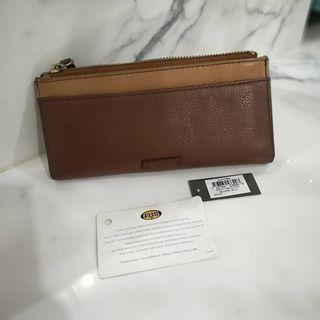 dompet fossil auth