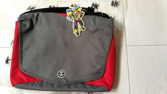 🚚 Crumpler Skivvy Laptop Bag