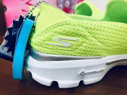 全新正貨保證有發票證明Skechers GO WALK 3 -14047 LIME 螢光黃 運動休閒慢跑健走鞋尺寸22.5