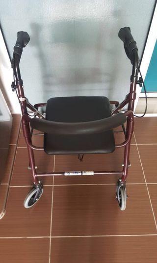 🚚 Elderly walker