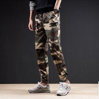 Korean Design Camo Pants, M
