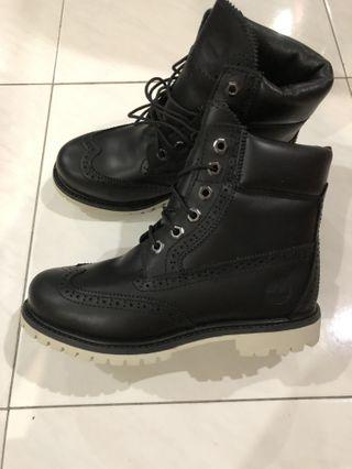 BN Timberland black leather boots