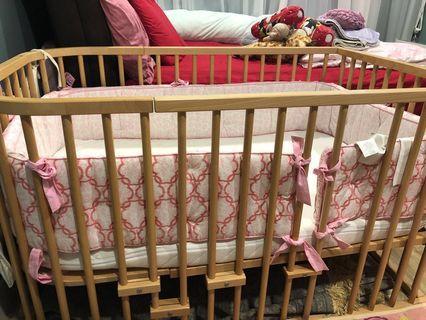 Baby cot preloved