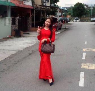Red kurung moden