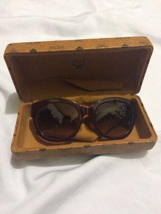 MCM shades