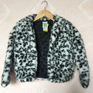GYMBOREE FUR JACKET SIZE 5-6 YEARS OLD
