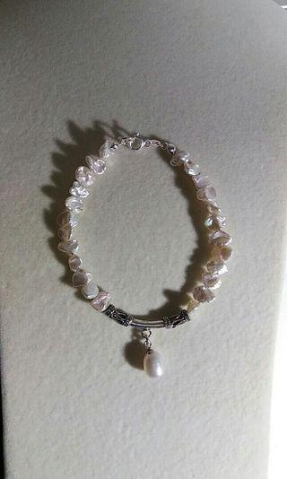 Sterling silver keshi freshwater pearl bracelet with pearl drop