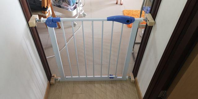 Safety gates (30 inches tall, 31 inches wide)