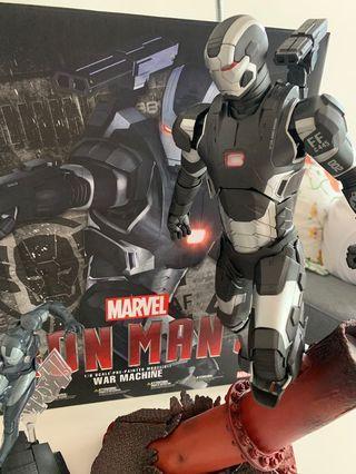Marvel Iron Man 3 War Machine + free small figure