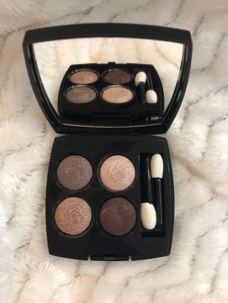 🚚 Chanel Eyeshadow Palette- Les 4 Ombres. 39 Raffinement