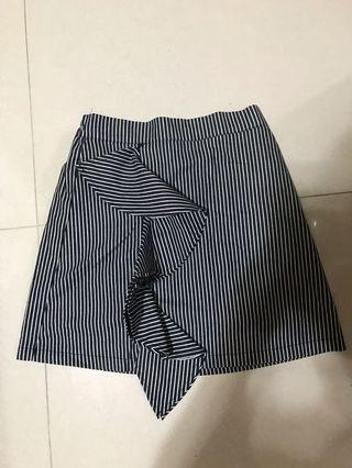 🈹️全新韓國半截裙🈹️為求盡快清,如多買一條短裙各減$10或供求買三條只售$100