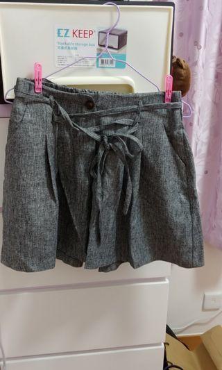 全新灰色橡筋腰舒適布料短裙褲