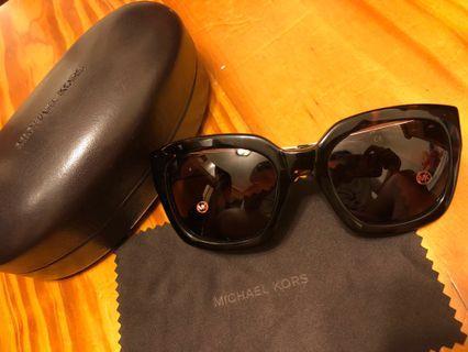 Michael Kors琥珀太陽眼鏡