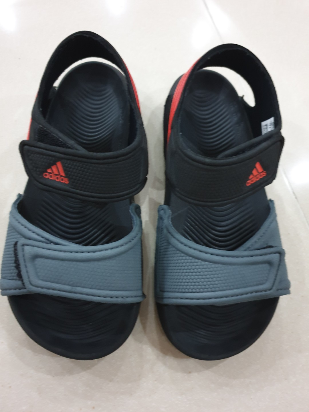 the latest 63007 26848 Adidas sandals shoes slippers slip on